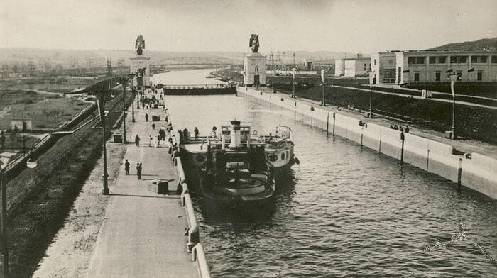 1937 - Состоялось официальное открытие и сдан в эксплуатацию канал Москва-Волга