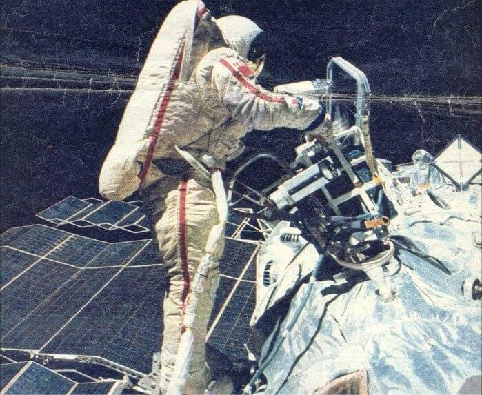 1984 - Первый выход женщины-космонавта в открытый космос