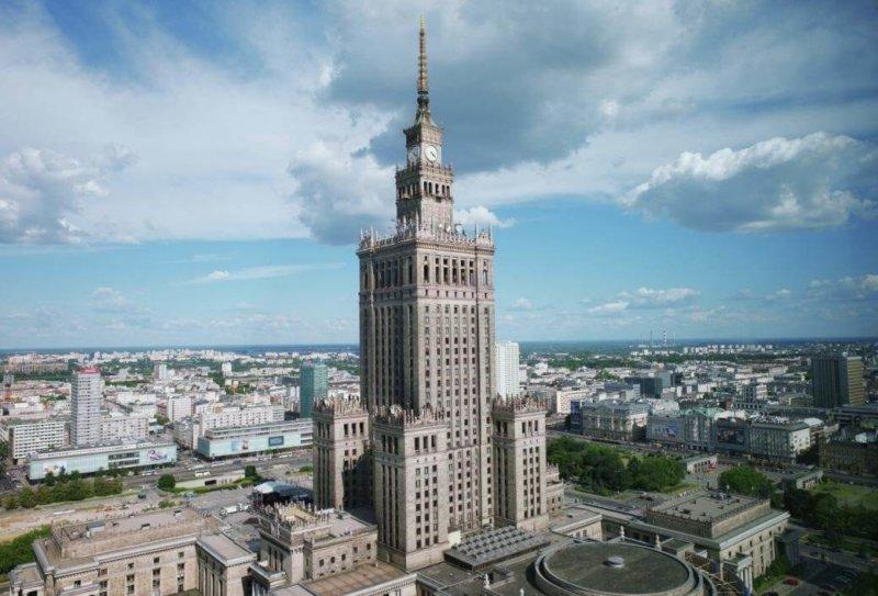 22 июля 1955 года открыт Дворец культуры и науки в Варшаве, 42-этажный небоскреб - дар польской столице от Советского Союза