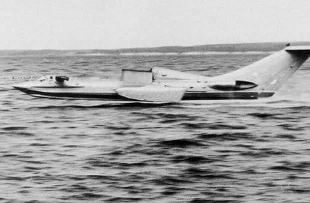 22 июля 1961 года конструктор Ростислав Алексеев отправился в полет на первом советском экраноплане