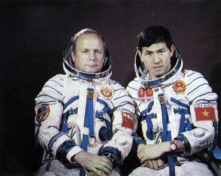 23 июля 1980 года состоялся запуск космического корабля Союз-37, в составе его экипажа в космос отправился первый космонавт из Азии, вьетнамец Фам Туан
