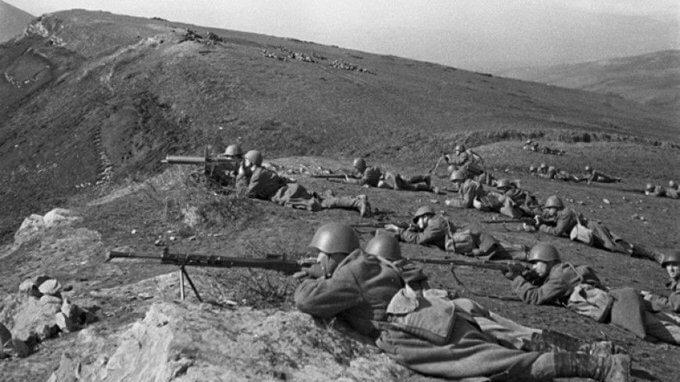 25 июля 1942 года немецкие войска двинулись от захваченного Ростова-на-Дону к Кавказскому хребту