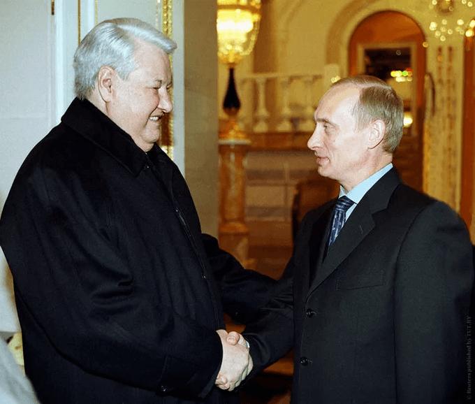 5 августа 1999 года президент России Борис Ельцин предложил директору ФСБ Владимиру Путину должность главы правительства