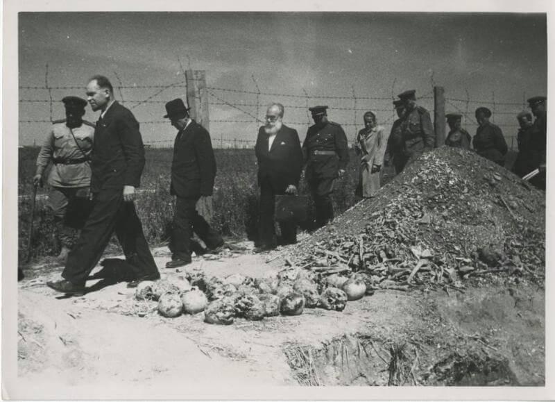 Останки жертв фашистов в лагере смерти Майданек