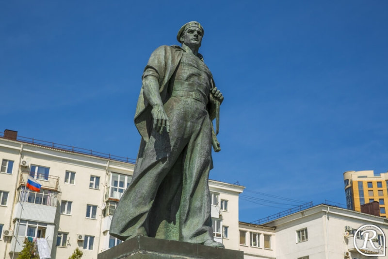 Открыт памятник Неизвестному матросу в Новороссийске