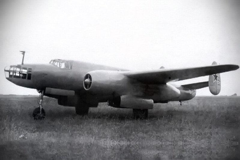 Состоялся первый полет реактивного бомбардировщика Ту-12