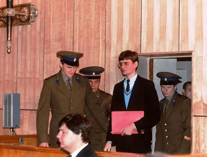 1987 - В Москве окончился суд над Матиасом Рустом, приземлившегося на Красной площади, в Москве