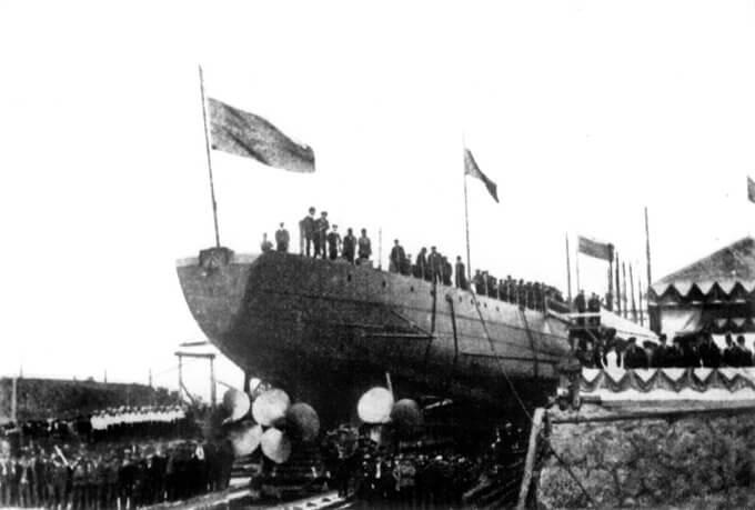 4 сентября 1913 года спущен на воду эскадренный миноносец