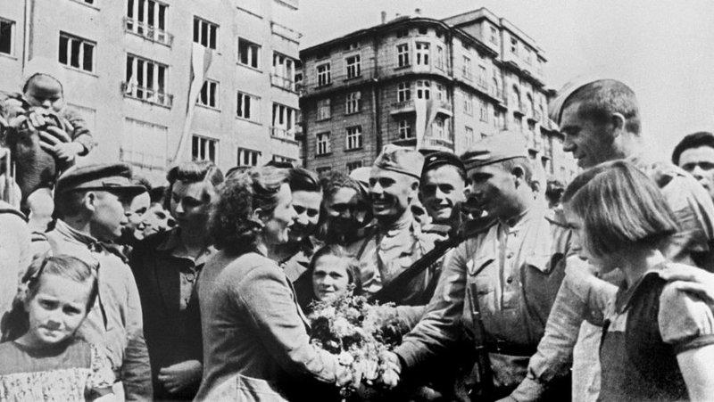 8 сентября 1944 года войска 3-го Украинского фронта Красной армии вступили на территорию Болгарии