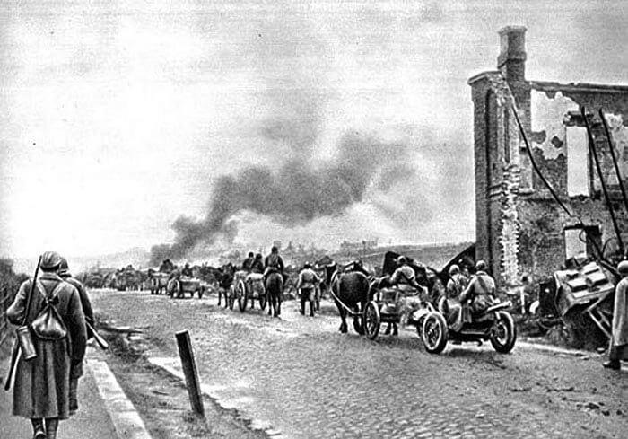 В 1941 году в результате боев 30 августа - 6 сентября в районе Ельни наносится поражение немецко-фашистским войскам.