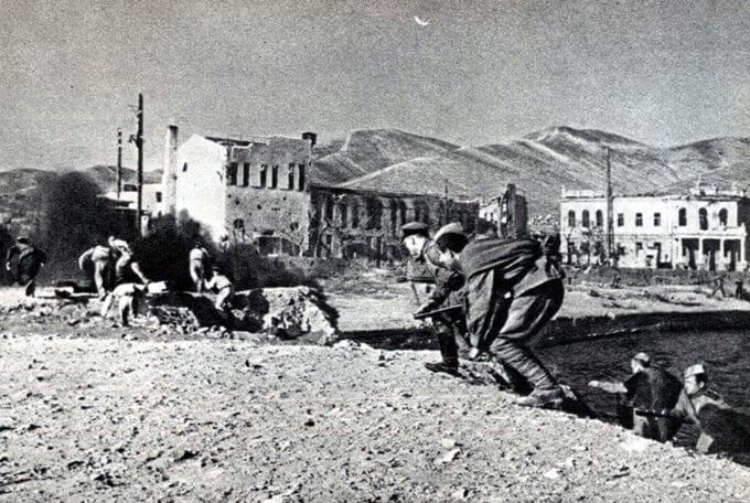 10 сентября 1943 года началась Новороссийская десантная операция