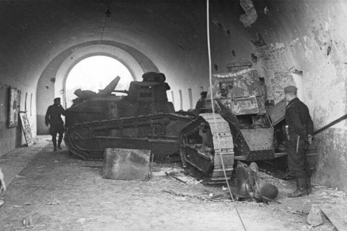 14 сентября 1939 года 77 танков 10-й танковой дивизии