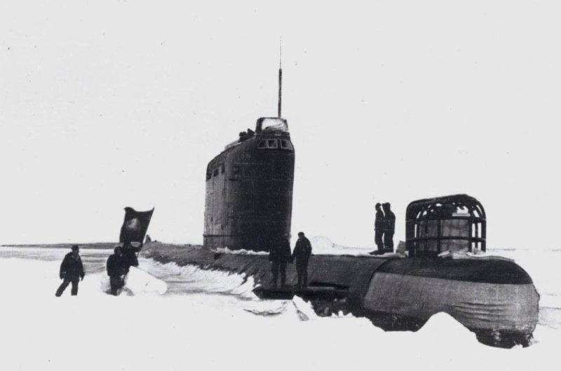 14 сентября 1963 года начался первый трансарктический подледный переход ракетной атомной подводной лодки Северного флота К-178