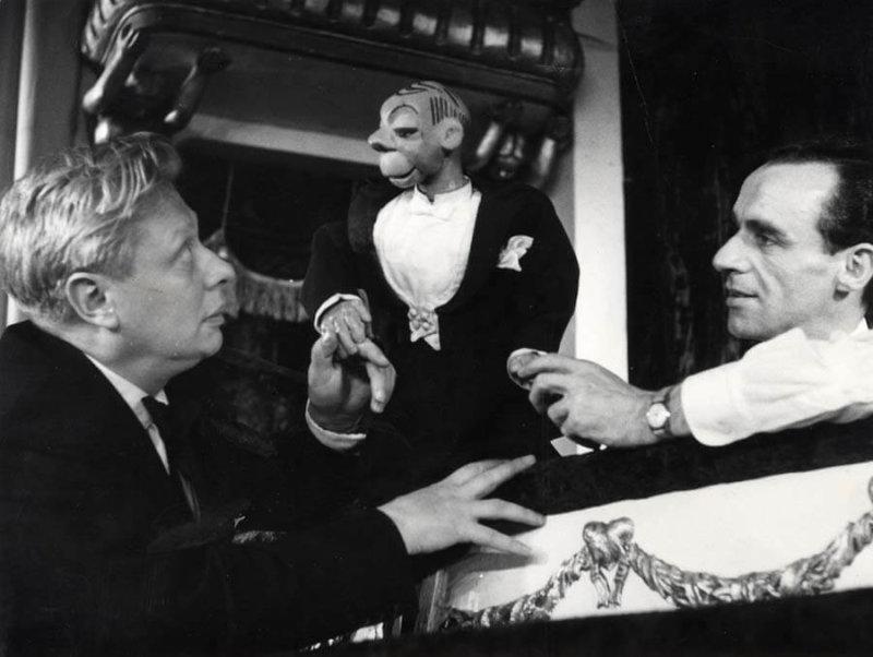 16 сентября 1931 года в Москве при Центральном Доме художественного воспитания детей был создан Главный центральный театр кукол, возглавил который Сергей Образцов
