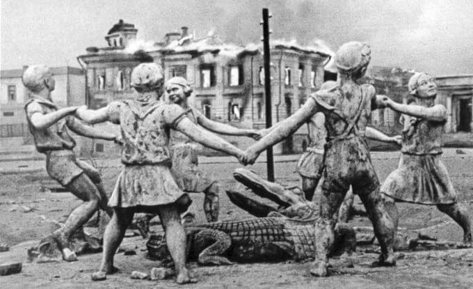17 сентября 1942 года в ходе ожесточенного боя вокзал Сталинград-1 переходил из рук в руки