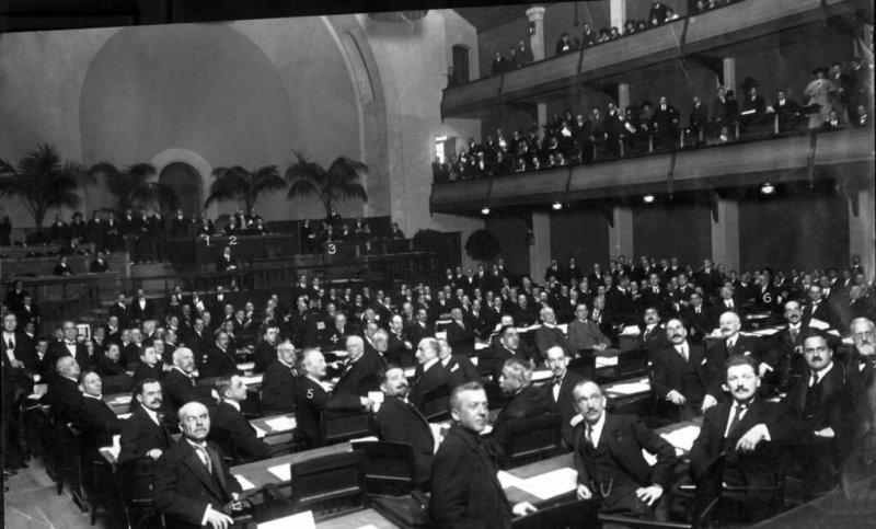 18 сентября 1934 года СССР вошёл в состав Лиги Наций.