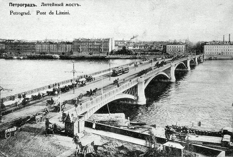 1875 - Началось сооружение шестипролётного Литейного моста по проекту военного инженера А.Е