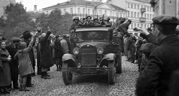 19 сентября 1939 года Вильно (Вильнюс) встречает Красную Армию