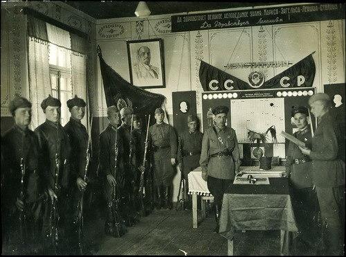1925 - ЦИК и СНК СССР утвердили Закон об обязательной военной службе