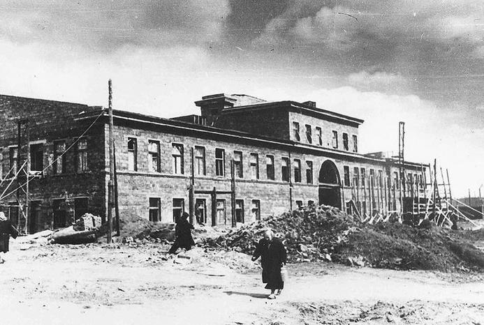 1938 - Основан Уральский турбинный завод УТЗ