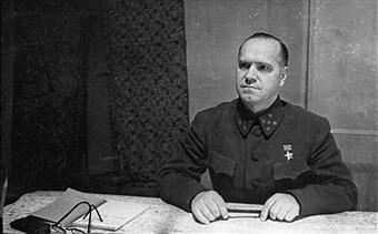 1941 - Сталин назначает Георгия Константиновича Жукова вместо Клима Ефимовича Ворошилова командующим Ленинградским фронтом.