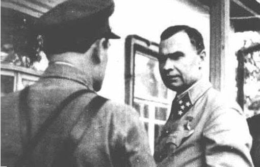 20 сентября 1941 года при выходе из окружения погиб командующий фронтом Кирпонос. Оборонял Киев до последнего