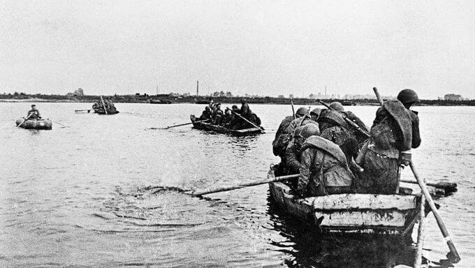 22 сентября 1943 года на рассвете войска Центрального и Воронежского фронта начали переправу и захват плацдармов на правом берегу Днепра.