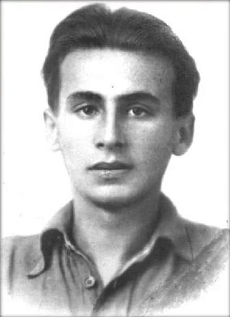 23 сентября 1942 года в боях под Новороссийском погиб 24-летний поэт лейтенант Павел Коган. Автор популярнейшей песни Бригантина