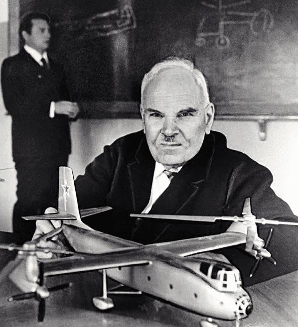7 октября 1948 года Приказом министра авиапромышленности СССР образовано Отдельное конструкторское бюро (ОКБ) № 2