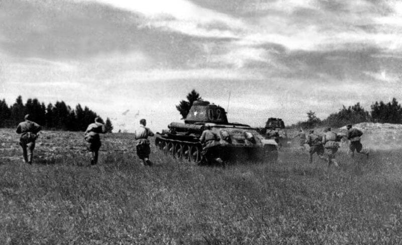 9 сентября 1942 года после получасовой артиллерийской подготовки новое наступление на Ржев, в бой введен танковый корпус