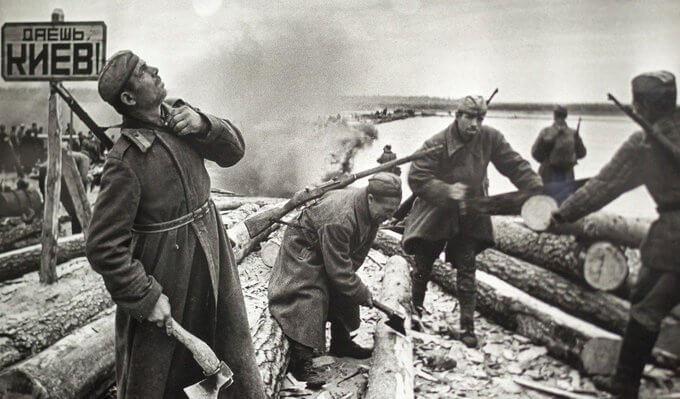 9 сентября 1943 года в приказе Сталина названо новое направление киевское! Советские войска сосредотачиваются на этом направлении