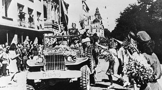9 сентября 1944 года Болгария объявила войну Германии и обратилась к СССР с просьбой о перемирии. Части Красной Армии вошли в Бургас. Военные действия против Болгарии прекращены