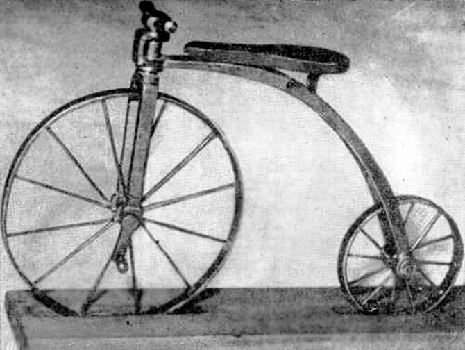 Александру I представлен первый в мире велосипед.