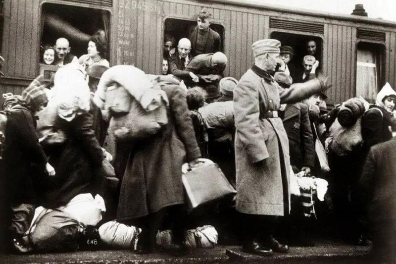 Начались массовые выселения украинцев из Польши