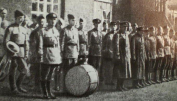10 октября 1941 года, истекая кровью, путь врагу к Москве прикрывают брошенные в бой курсанты подольских военных училищ и училища Верховного Совета
