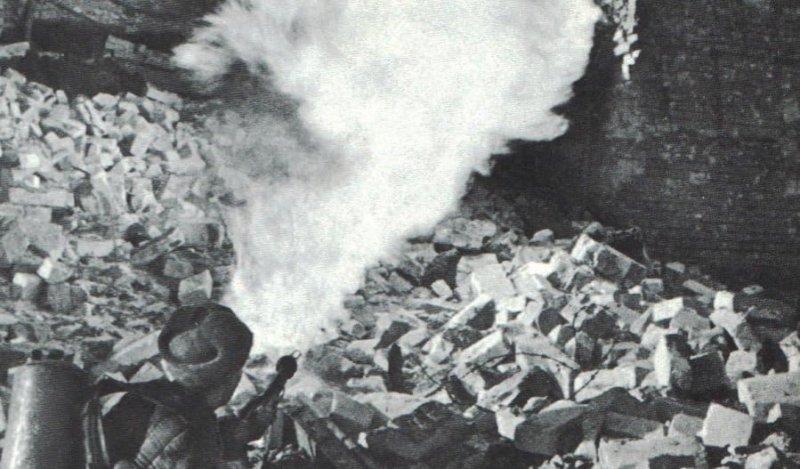 12 октября 1942 года приказ Ставки доставить в Сталинград 15 тыс. автоматов ППШ, 1 тыс