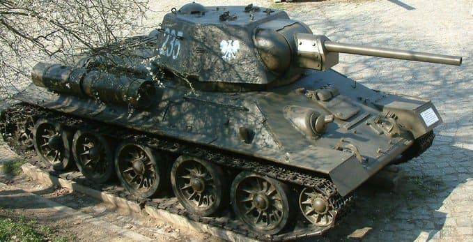 12 октября 1943 года под Ленино впервые введена в бой сформированная в СССР 1-я Польская пехотная дивизия