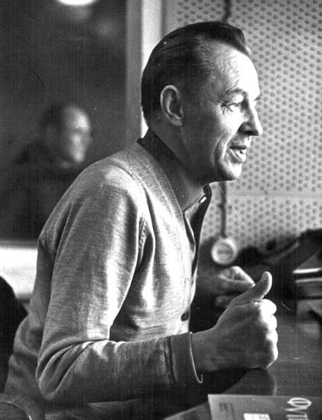 1935 - Легендарный зачинатель жанра спортивных репортажей в СССР, комментатор Всесоюзного радио Вадим Синявский