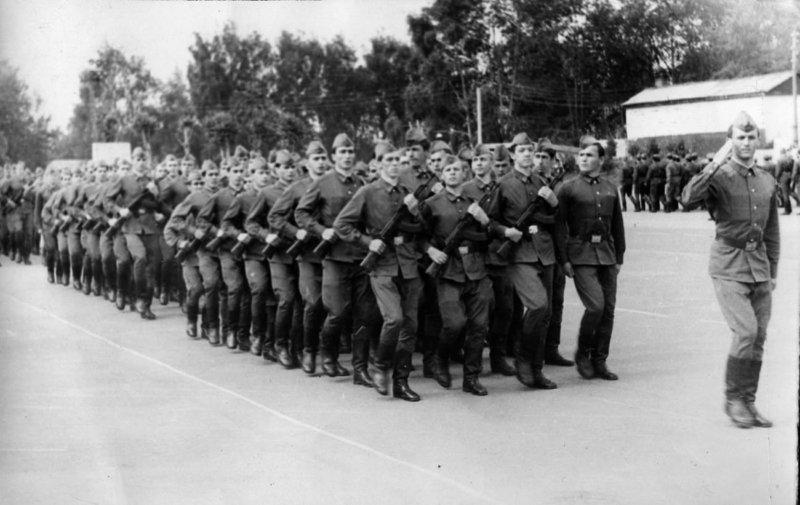 1967 - В СССР принят Закон О всеобщей воинской обязанности