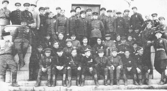 8 октября 1944 года в Петрозаводске парад партизан и подпольщиков Карельского фронта